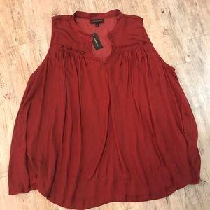 Sleeveless blouse 22W